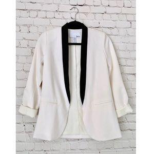 Bar III Black & White buttonless blazer